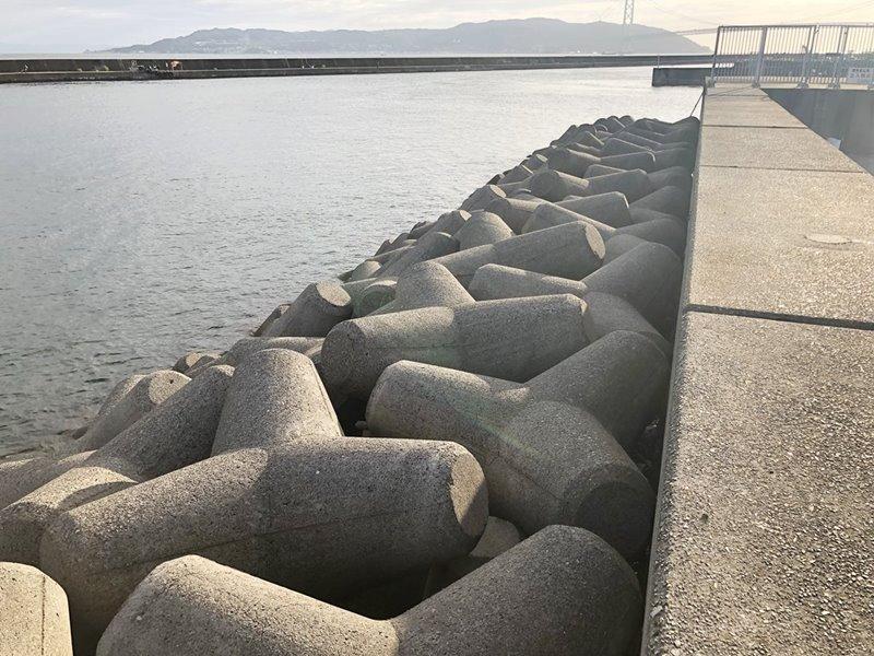 垂水漁港/中波止 外向き(テトラ)
